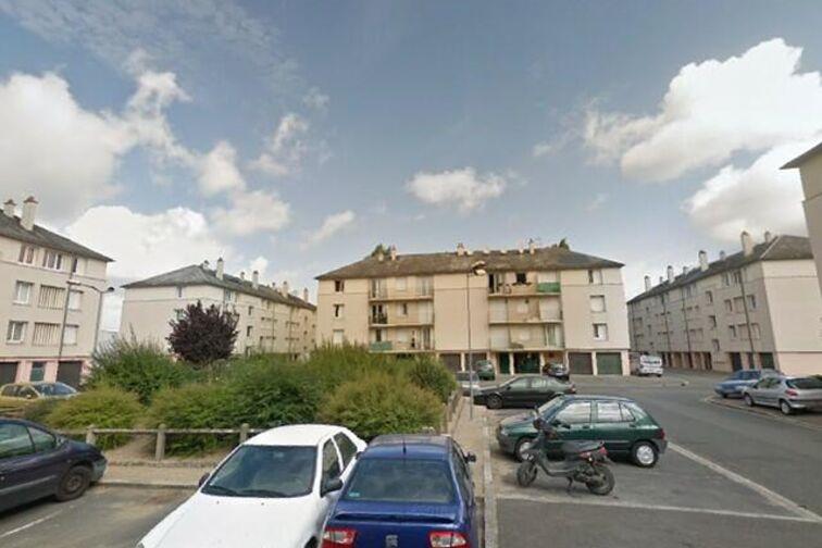 Parking Avenue du Chemin de Fer - 12 résidence des Prés - Sully-sur-Loire 45600