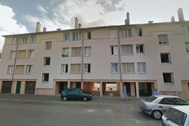Parking Avenue du Chemin de Fer - 12 résidence des Prés - Sully-sur-Loire location mensuelle