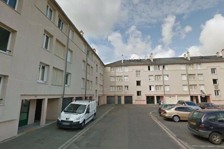 location parking Avenue du Chemin de Fer - 12 résidence des Prés - Sully-sur-Loire