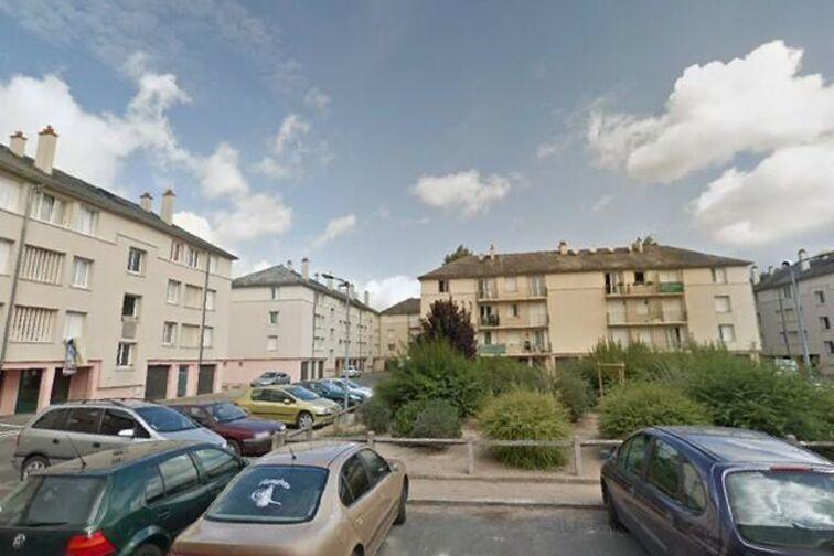 Parking Avenue du Chemin de Fer - 14 résidence des Prés - Sully-sur-Loire en location