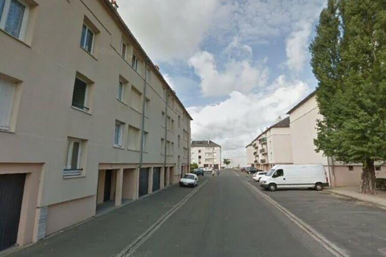 Location parking Avenue du Chemin de Fer - 4 résidence des Prés - Sully-sur-Loire