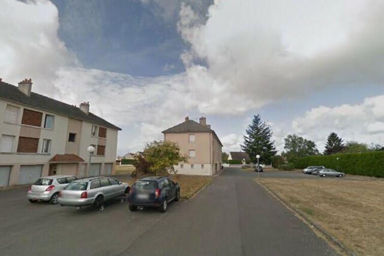 Location parking Avenue du Chemin de Fer - 5 résidence de la Villanderie - Sully-sur-Loire