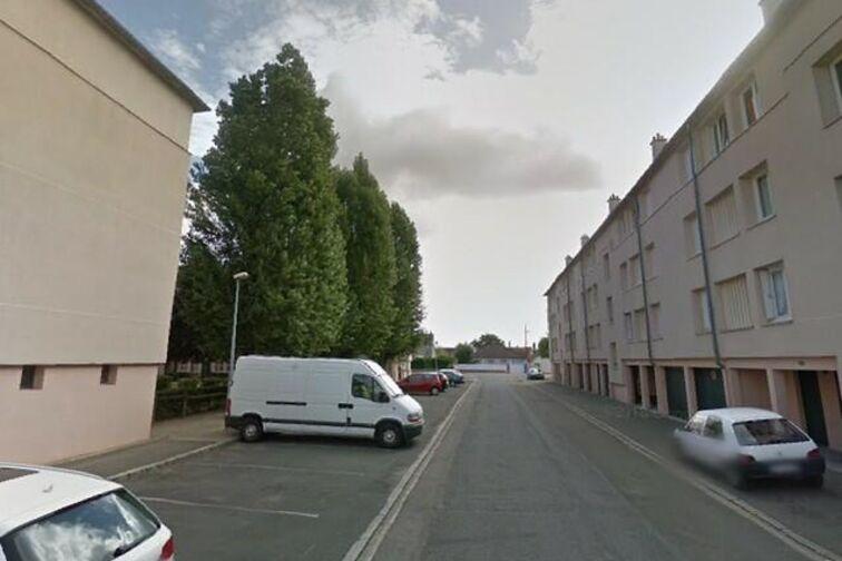 Parking Avenue du Chemin de Fer - 8 résidence des Prés - Sully-sur-Loire location