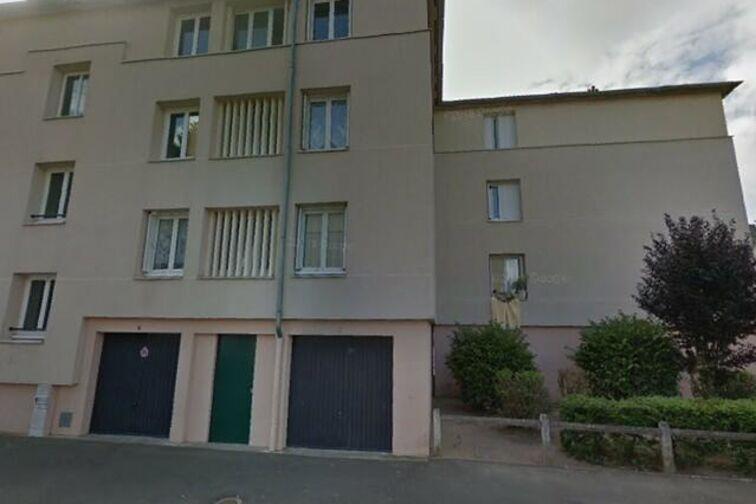 Parking Avenue du Chemin de Fer - 8 résidence des Prés - Sully-sur-Loire gardien