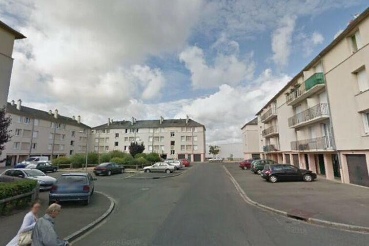 location parking Avenue du Chemin de Fer - 8 résidence des Prés - Sully-sur-Loire