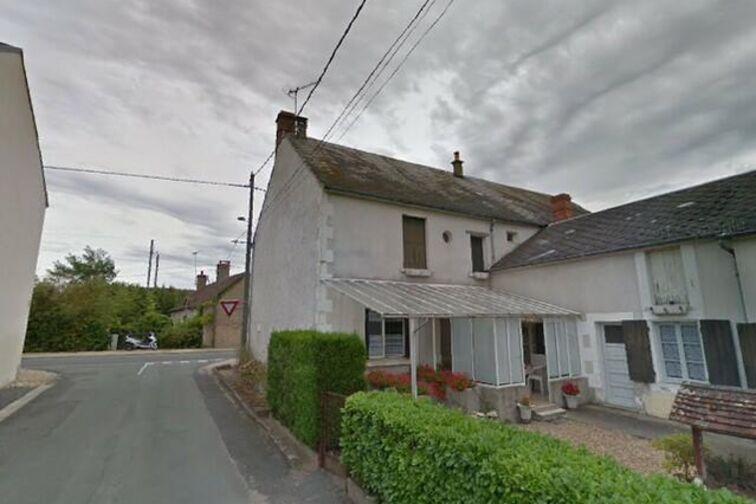 Parking Mairie - Villeneuve - Bonny-sur-Loire garage