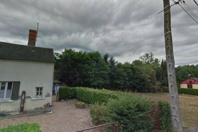Parking Mairie - Villeneuve - Bonny-sur-Loire avis