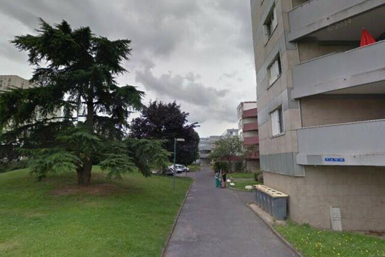 Parking Station Lamballe - Cosmonautes - Fleury-les-Aubrais en location