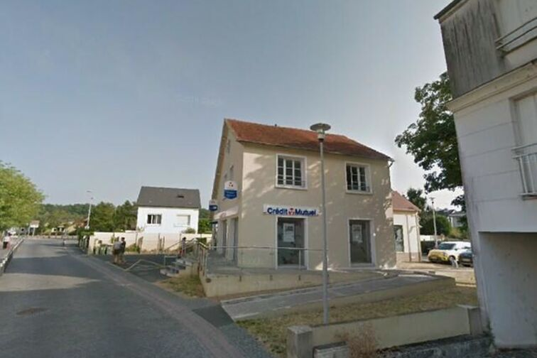 Parking Mairie - Fontaîne - Saran sécurisé