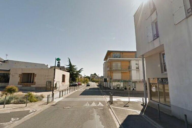 Parking Salle des fêtes - Jean Zay - Saint-Jean-de-Braye à louer