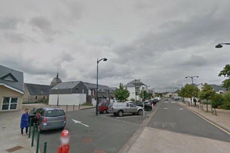 location parking École Primaire - Tête Verte - Saint-Denis-de-l'Hôtel