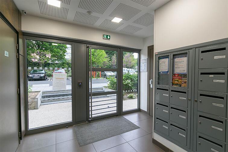 Parking Rue Olympe de Gouges - RER Les Grésillons - Villiers-le-Bel 1 rue Lucie Aubrac