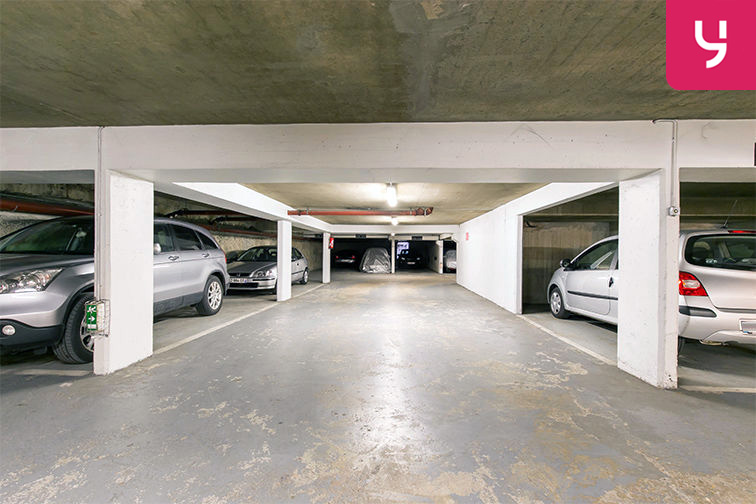 Parking Centre-ville - Rue Pottier - Le Chesnay (place moto) en location