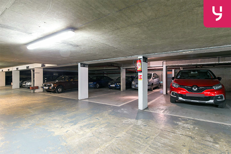 Parking Centre-ville - Rue Pottier - Le Chesnay (place moto) pas cher