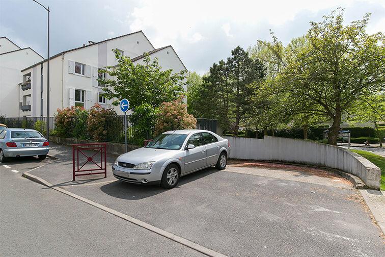 Parking Ecole Louis Aragon - Franz Liszt - Beauvais 60000