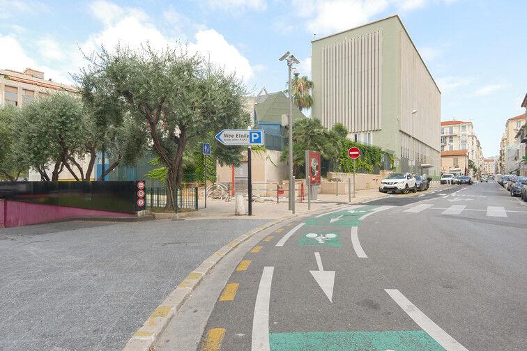 Parking Gare de Nice - Avenue Jean Médecin - Nice en location