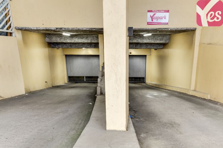 Parking Charpennes souterrain