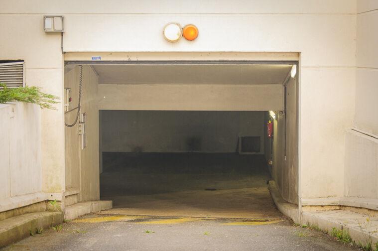 Parking Parc d'Avaucourt - Rue Etienne Lebeau - Athis-Mons à louer