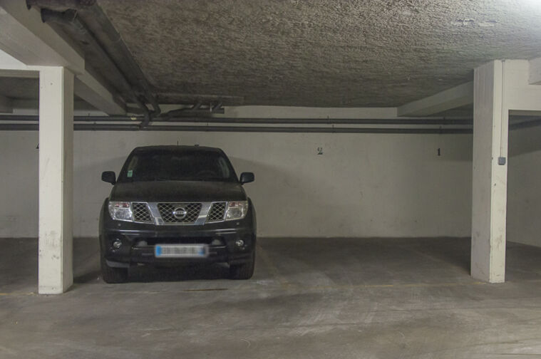 Parking Parc d'Avaucourt - Rue Etienne Lebeau - Athis-Mons garage