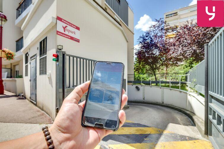 Parking Fresnes - Rue Maurice Tenine (place avec borne électrique) avis