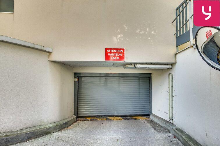 Parking Fresnes - Rue Maurice Tenine (place avec borne électrique) garage
