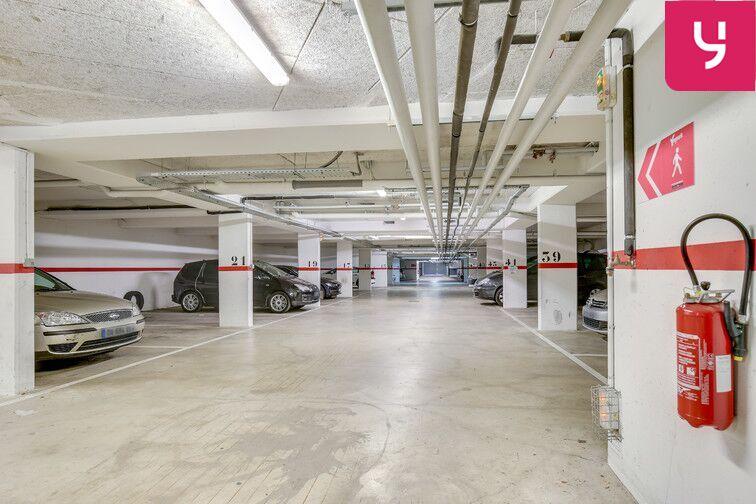 Parking Fresnes - Rue Maurice Tenine (place avec borne électrique) en location