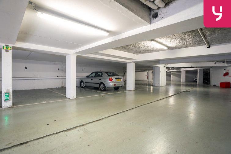 Parking Route de la Roquette - Mougins (places doubles) souterrain