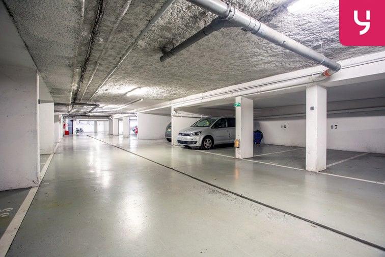 Parking Route de la Roquette - Mougins (places doubles) gardien
