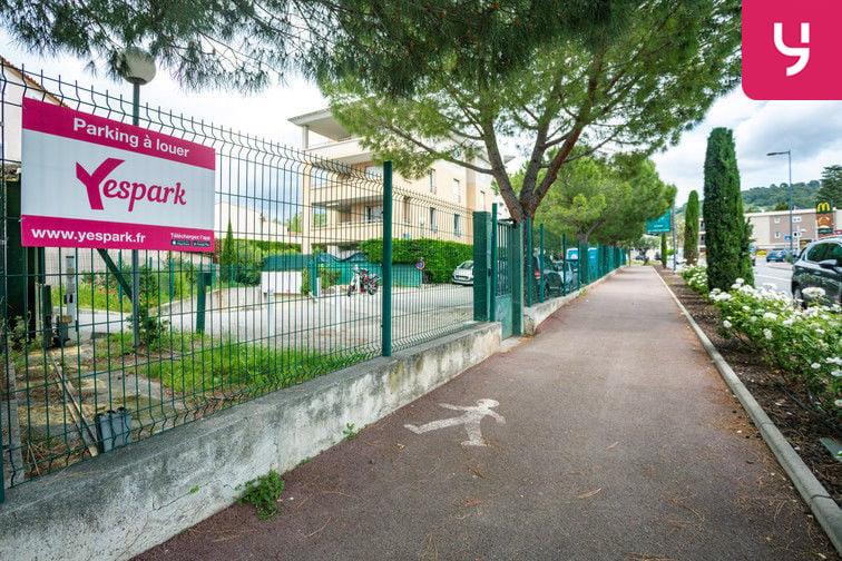 Parking Route de la Roquette - Mougins (places doubles) Mougins