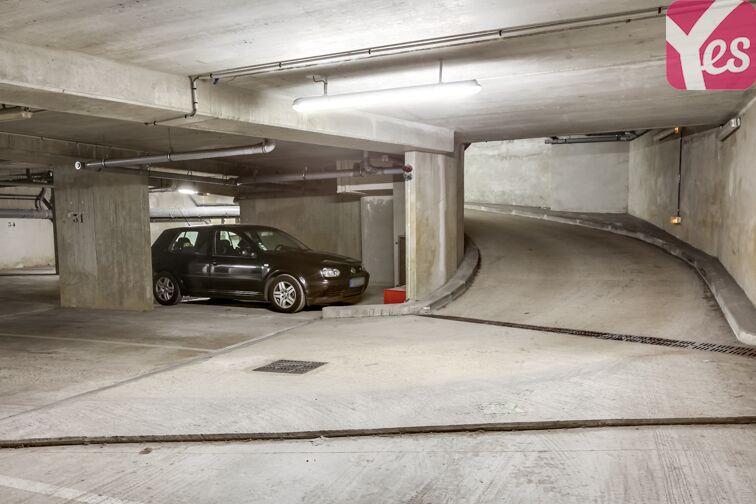 Parking Allée d'Arnaud d'Andilly - Voisins-le-Bretonneux Voisins-le-Bretonneux