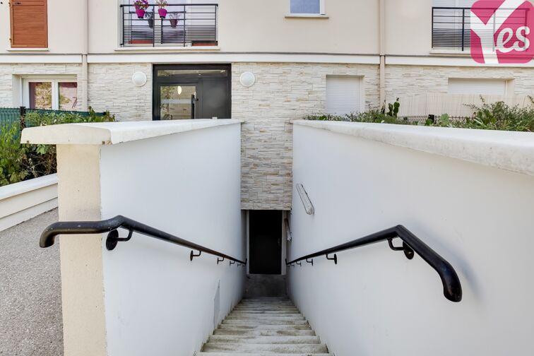 Parking Allée d'Arnaud d'Andilly - Voisins-le-Bretonneux garage