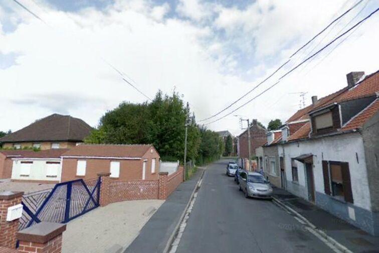 Parking Église Sainte-Pharaïlde - Waldecq Rousseau - Bruay-sur-l'Escaut - (box aérien) pas cher