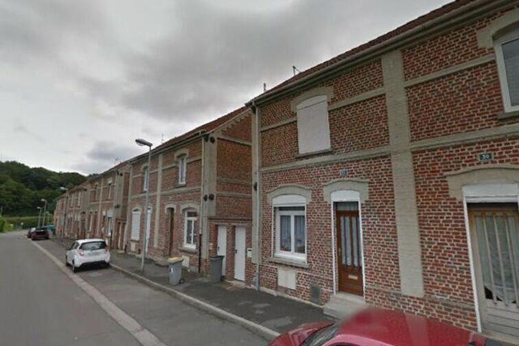 Parking Collège Edmond RoSaintand - Maubeuge - Bruay-la-Buissière - (box aérien) en location