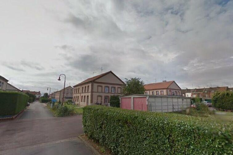 location parking Salle des Fêtes - Harpigny - Denain - (box aérien)