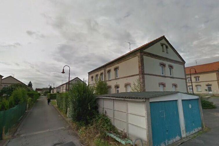 Parking Saintade Municipal - Bernard - Denain - (box aérien) Denain