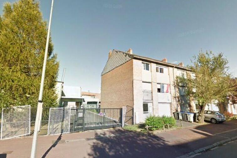 Parking College Emile Littré - Anatole France - Douchy-les-Mines - (box aérien) location