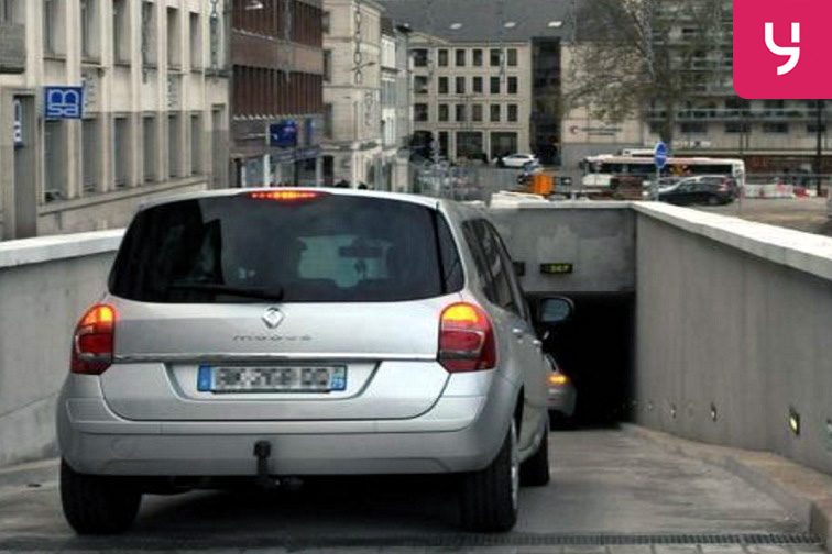 location parking Fives - Lille