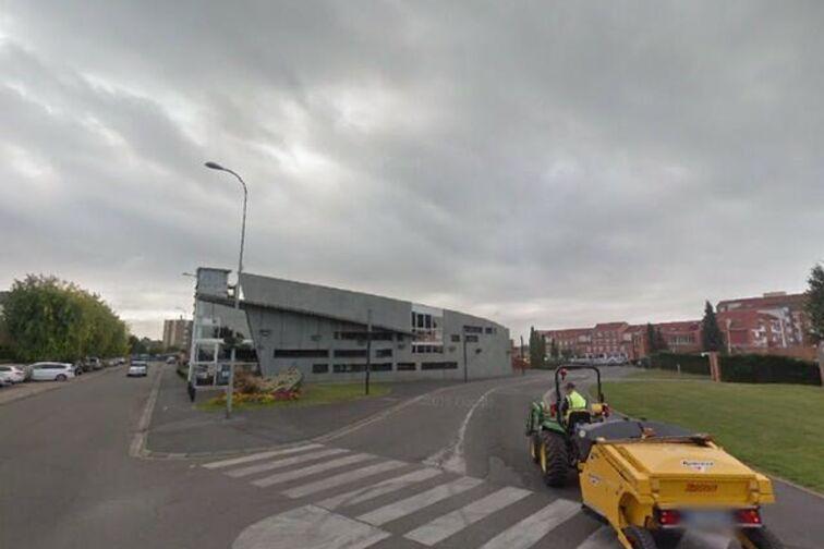 Parking Mairie - Julien Renard - Douchy-les-Mines - (box aérien) avis