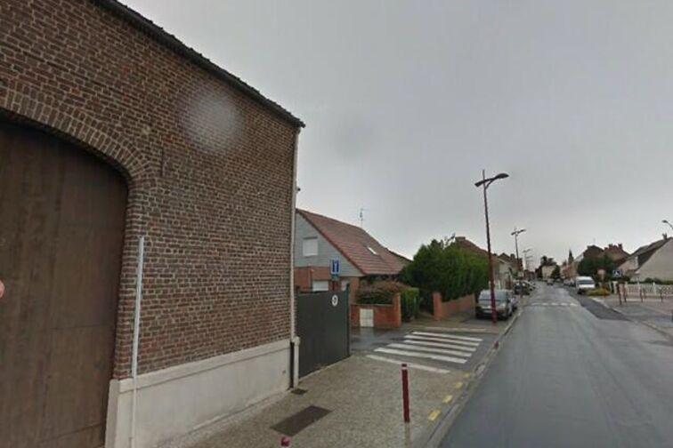 Parking Collège Pierre-Gilles de Gennes - Résidence Arthur Rimbaud - Petite-Forêt - (box) pas cher