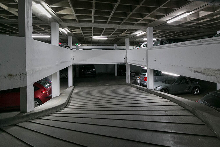 Parking Porte des Lilas gardien
