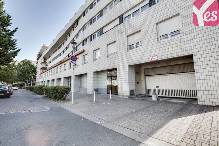 location parking Esplanade Charles de Gaulle - Nanterre