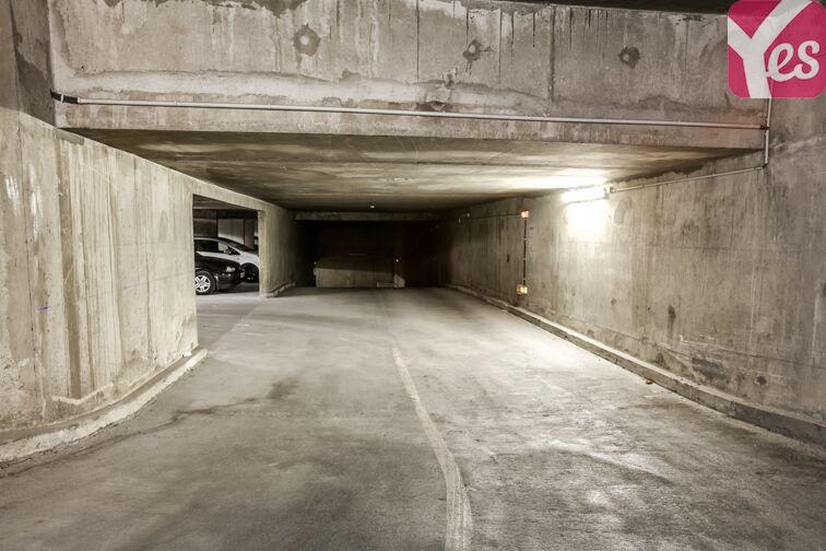 Parking Esplanade Charles de Gaulle - Nanterre avis