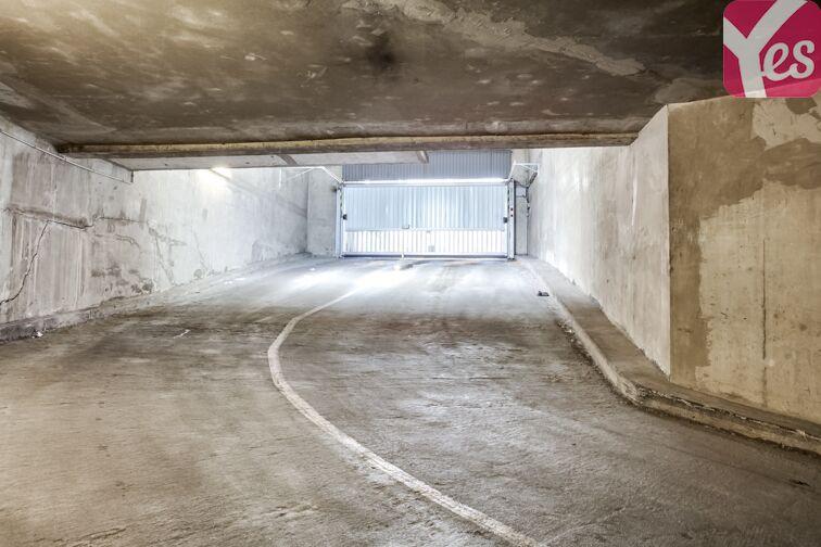 Parking Esplanade Charles de Gaulle - Nanterre 24/24 7/7