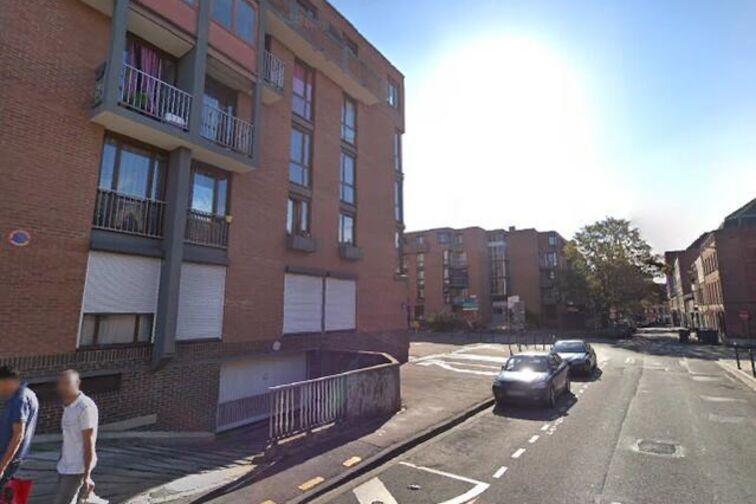 Parking Hôtel de Ville - Nain - Roubaix - (box aérien) 37 rue Nain