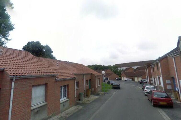 location parking Arrêt Croix du Petit Dieu - Albert Lambert - Saint-Amand-les-Eaux - (box aérien)