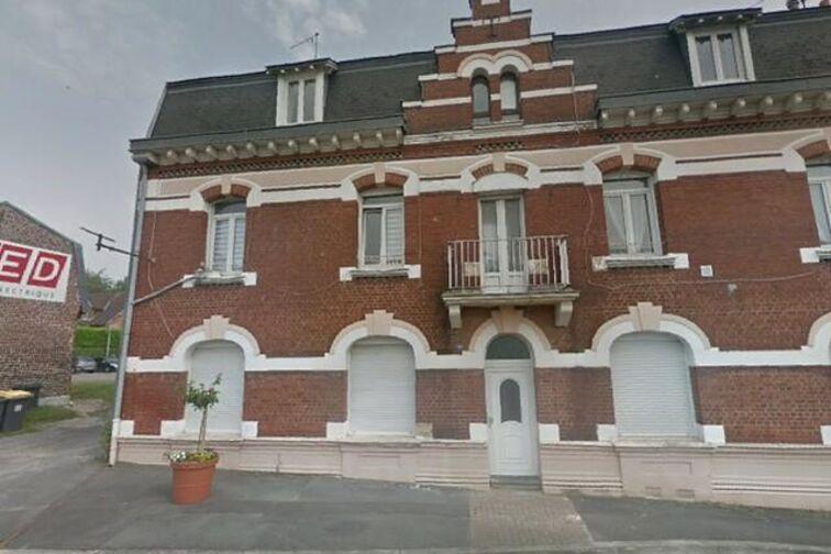 Parking Ecole Maternelle - Raoul Briquet - Saint-Nicolas - (box aérien) avis