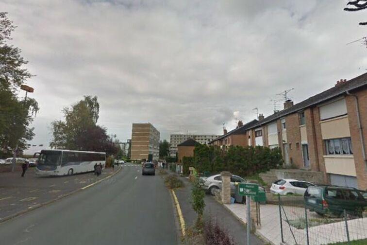 Parking Piscine Municipale - Robert Schuman - Saint-Saulve - (box aérien) Saint-Saulve
