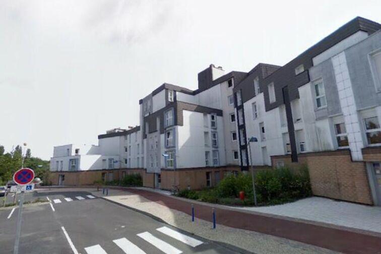 Parking Ecole Maternelle Herbinière Lebert - Blaise Pascal - Saint-Saulve - (box aérien) avis