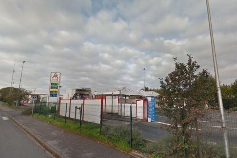 Parking Espace Pierre Richard - Chênes - Valenciennes - (aérien) garage