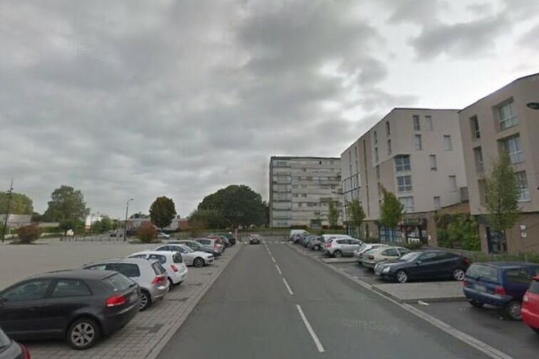 Parking Collège d'Etat Chasse Royale - Lomprez - Valenciennes - (box) location mensuelle
